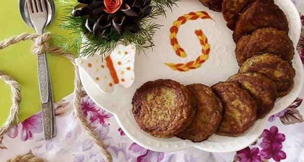 طرز تهیه و دستور پخت کوکو بادمجان کبابی مجلسی با پنیر پیتزا و سیب زمینی